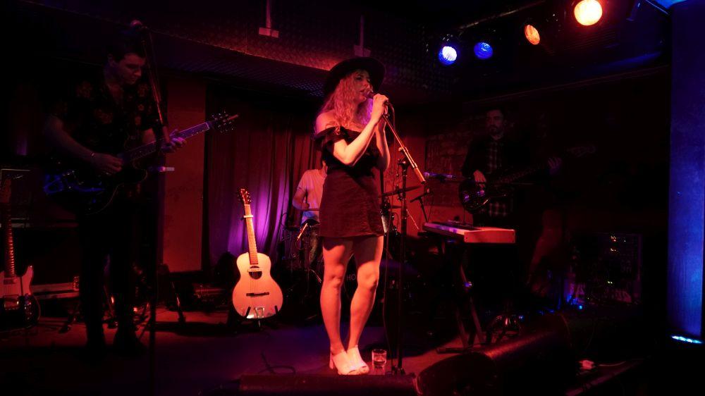 Holly Macve Tour
